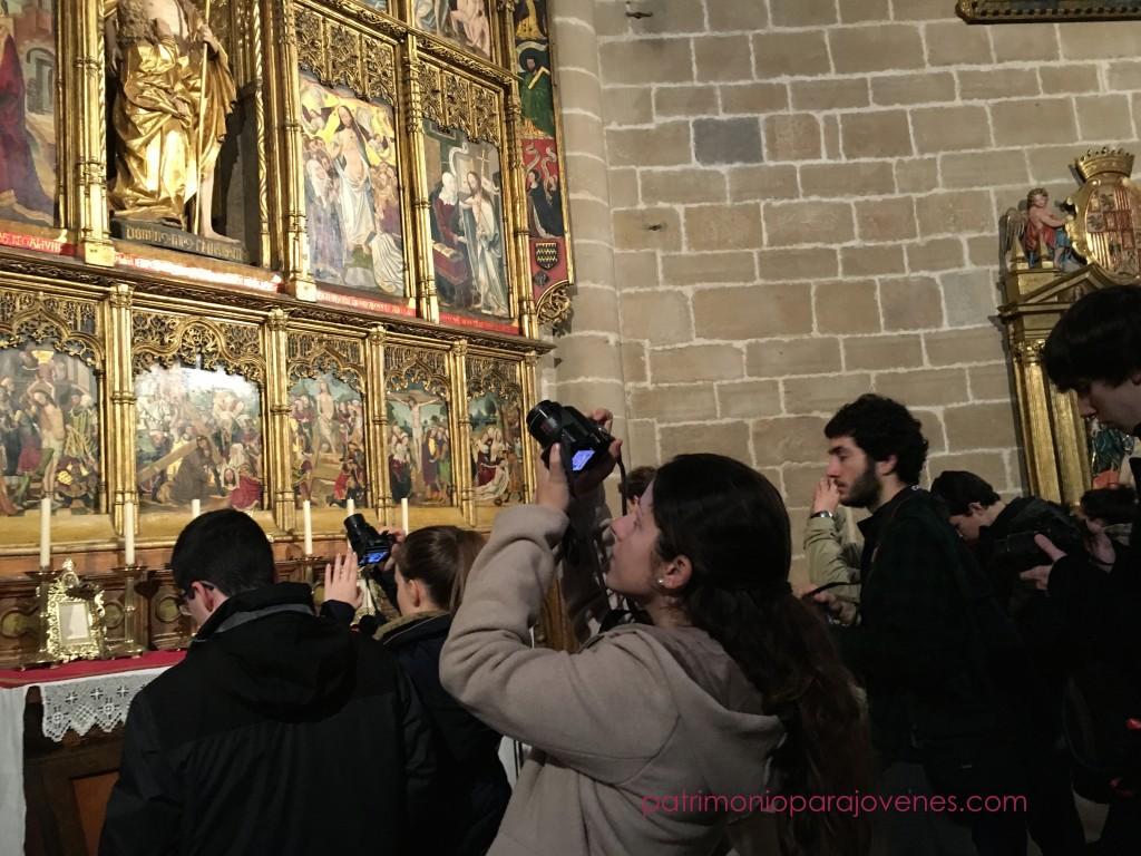 Fotografiando el retablo