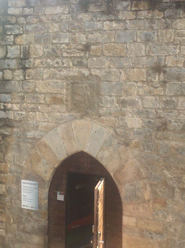 puerta que se descubrió durante la rehabilitación